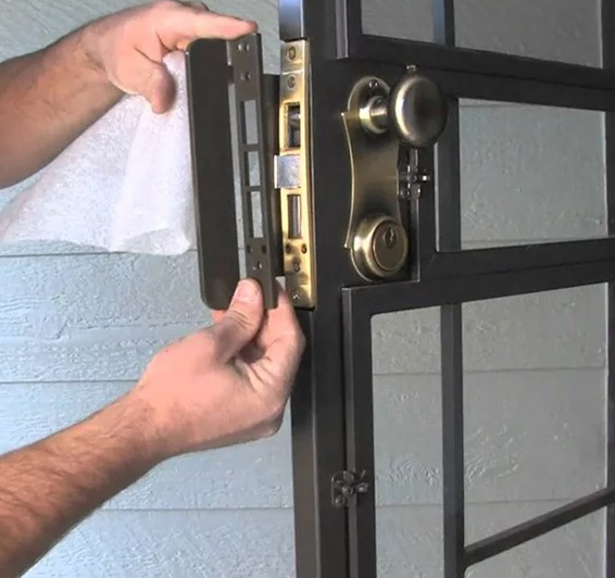 Home door lock installation in Baltimore, MD - Star Locks and Keys
