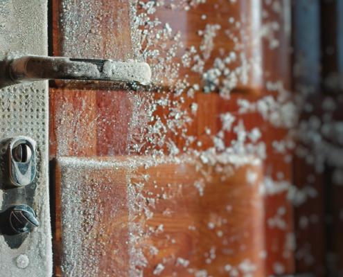 frozen door lock